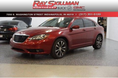 Pre-Owned 2014 Chrysler 200 4dr Sdn Limited